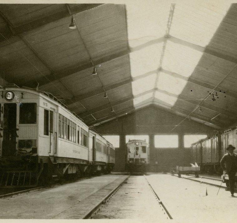 Vagones del Ferrocarril de Los Altos, Quetzaltenango, (aproximadamente de 1920). Coleccio?n de Mathias Abraham. (Foto: Fototeca Guatemala, CIRMA)