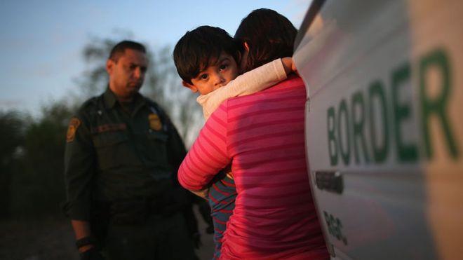 Entrar a Estados Unidos sin documentos es un delito que se persigue de manera judicial. (Getty Images)