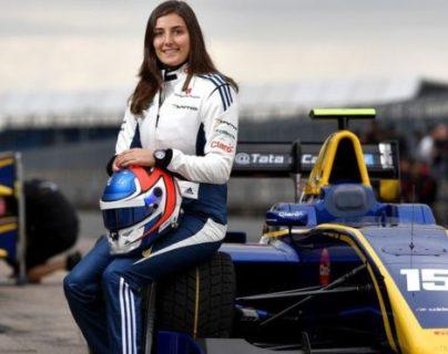 Esta semana, Tatiana Calderón fue ascendida de conductora en desarrollo a conductora de pruebas en Sauber. (Foto Prensa Libre: Getty Images)