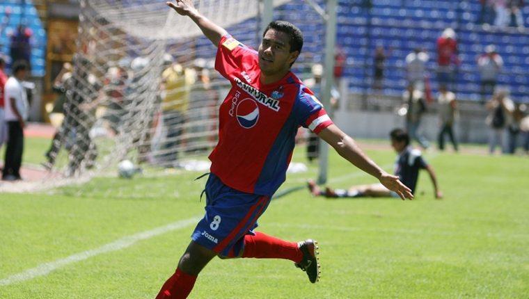 Gonzalo Romero es uno de los grandes jugadores que militó en Municipal, con el que ganó todo a nivel nacional. (Foto Prensa Libre: Hemeroteca)