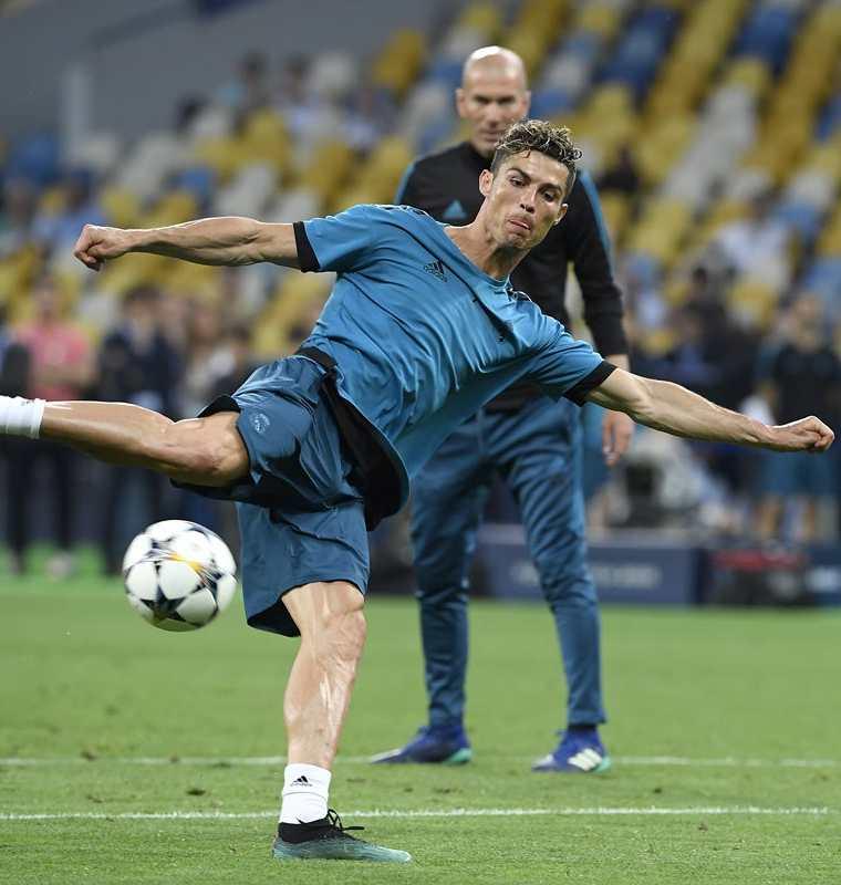 Con el Real Madrid Cristiano Ronaldo ganó 4 Ligas de Campeones de Europa. (Foto Prensa Libre: AFP)