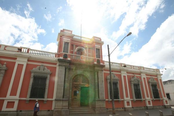 El descubrimiento de las firmas anómalas se efectuó a través de un sistema de información que comparte el TSE con el Registro Nacional de las Personas. (Foto Prensa Libre: Paulo Raquec)