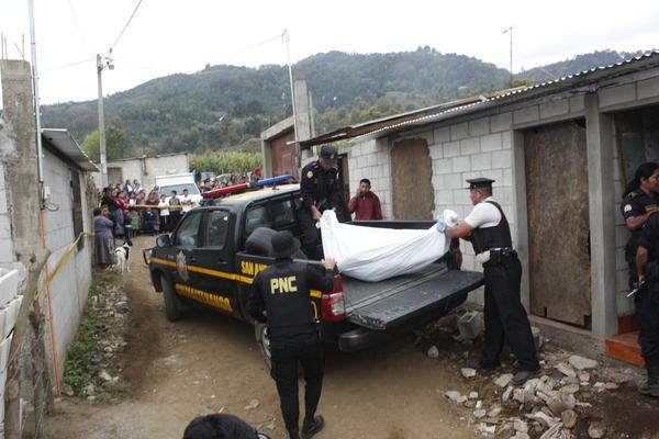 Manuela Sal Siquinajay fue localizada sin vida en el interior de su vivienda. (Foto Prensa Libre: Víctor Chamalé)