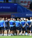 Los jugadores de la Selección de Islandia durante la práctica de este viernes. (Foto Prensa Libre: EFE)