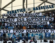Los aficionados del Marsella le dedicaron mensajes especiales a Evra tras su polémica acción. (Foto Prensa Libre: AFP9