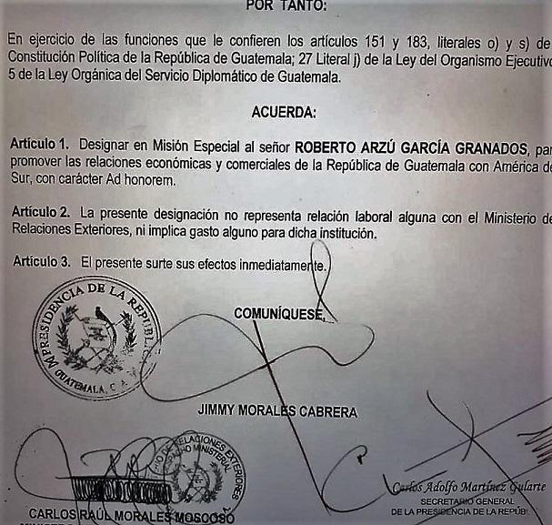 Contenido del Acuerdo Gubernativo 230 con fecha 18 de agosto de 2017, en la que se designa a Roberto Arzú en una misión especial. (Foto Prensa Libre: Cortesía)