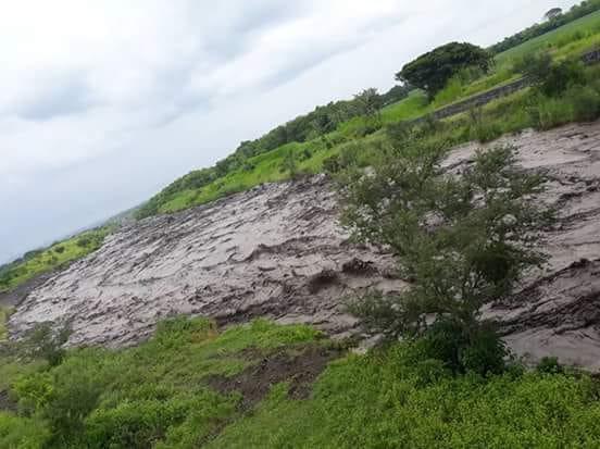 Descienden tres lahares por el Volcán de Fuego