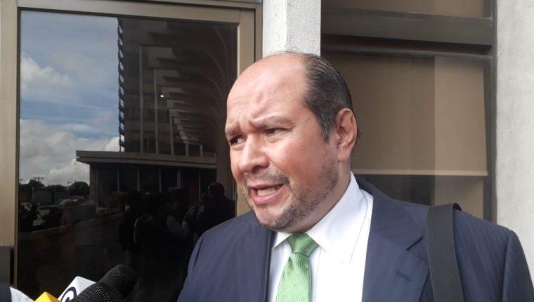 El diputado de la UNE, Orlando Blanco, solicitó que se agilice investigación en su contra. (Foto Prensa Libre: Kenneth Monzón)
