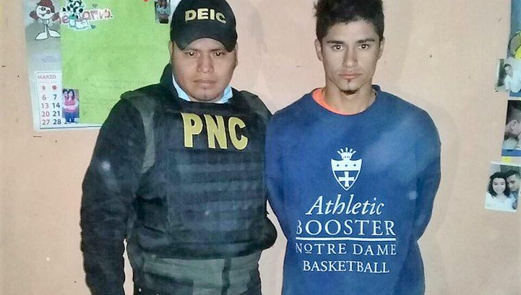 La primera captura se ejecutó en la colonia Enriqueta, zona 5 de Villa Nueva. (Foto Prensa Libre: PNC)