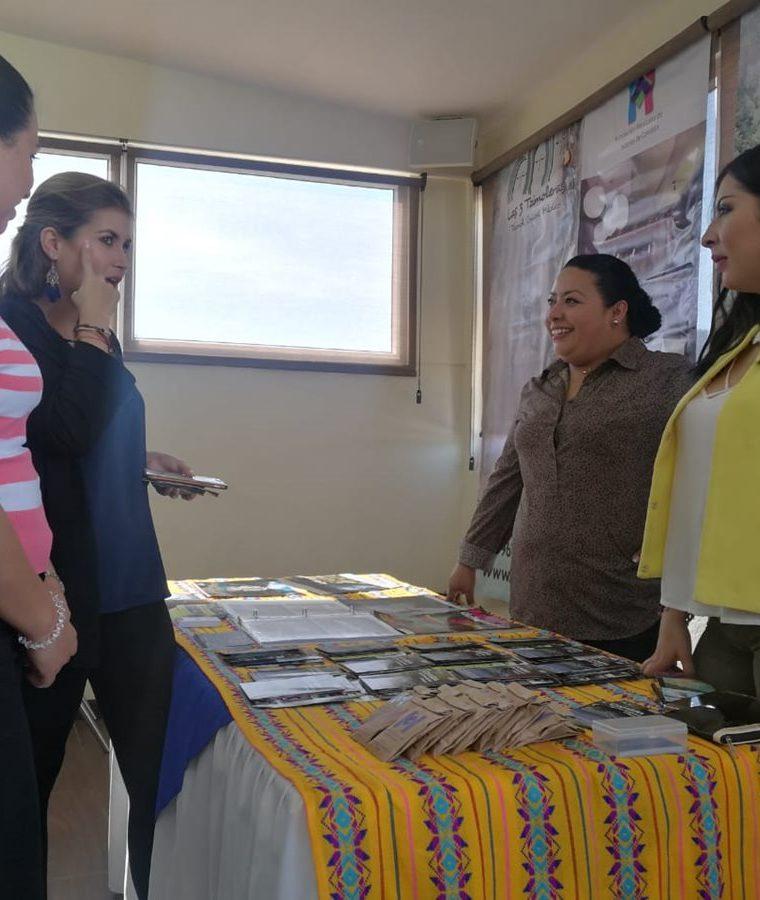 En el intercambio se brindó información de hoteles, restaurantes y otros negocios involucrados con el turismo en Chiapas. (Foto Prensa Libre: Fred Rivera)