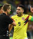 Falcao se ganó una amonestación por recriminarle al árbitro en varias ocasiones. (Foto Prensa Libre: AFP)