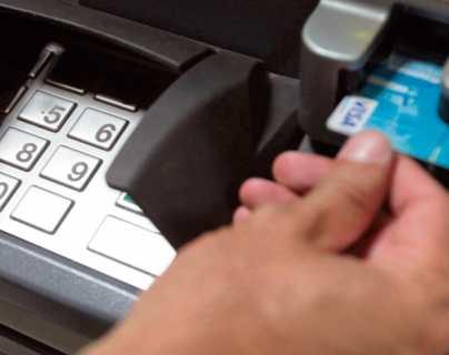 Sí, hay menos agencias bancarias y más cajeros automáticos