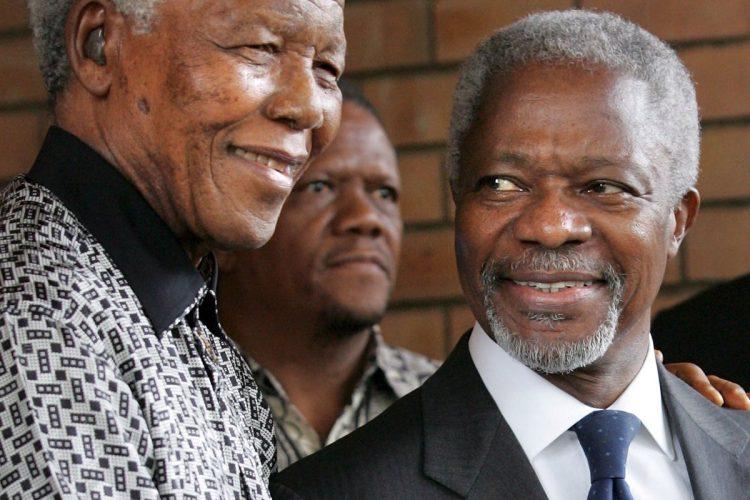 El expresidente de Sudáfrica, Nelson Mandela, recibió a Annan, el 15 de marzo de 2006, en Johannesburgo.