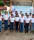 Parte del grupo de niño que se capacitó para atender emergencias. (Foto Prensa Libre: Rolando Miranda).