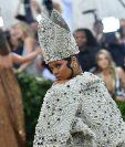 Rihanna, reconocida por su estilo atrevido en la moda, dio que hablar por su más reciente portada (Foto Prensa Libre: AFP).