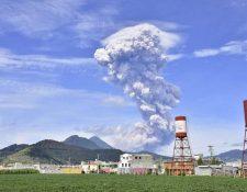 El Volcán Santiaguito, en Quetzaltenango, lleva varios meses en actividad. La semana pasada tuvo una fuerte erupción. (Foto, Prensa Libre: Hemeroteca PL)