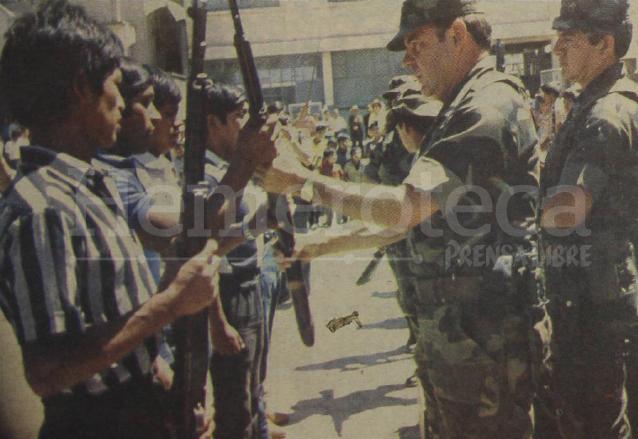 1996: desmovilización de las Patrullas de Autodefensa Civil