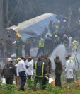 El avión que se accidentó cerca del Aeropuerto José Martí, en La Habana, Cuba, llevaba 104 pasajeros y nueve tripulantes. (Foto Prensa Libre: AFP)