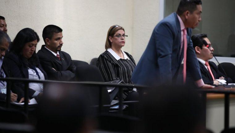 Juez resolvió este jueves que Anahí Keller deberá enfrentar juicio por cinco delitos en caso Hogar Seguro Virgen de la Asunción. (Foto Prensa Libre: Paulo Raquec)