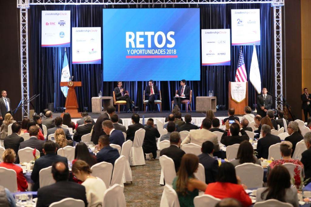 EE. UU. reitera inversión en el país y presidente promete certeza jurídica