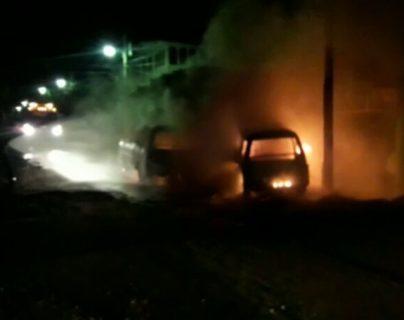 Supuestos extorsionistas queman microbuses en Coatepeque