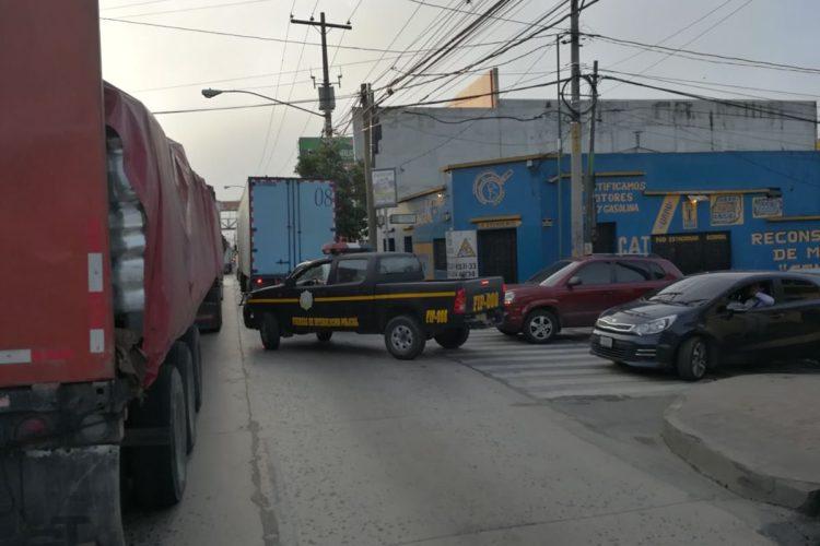 Las rutas alternas también están colapsadas porque el accidente ocurrió en el kilómetro 12.5