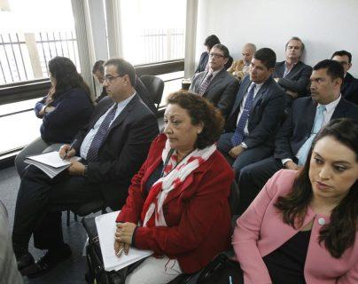 Exdirectivos y extrabajadores del IGSS son acusados por el Ministerio Público. (Foto Prensa Libre: Hemeroteca PL)