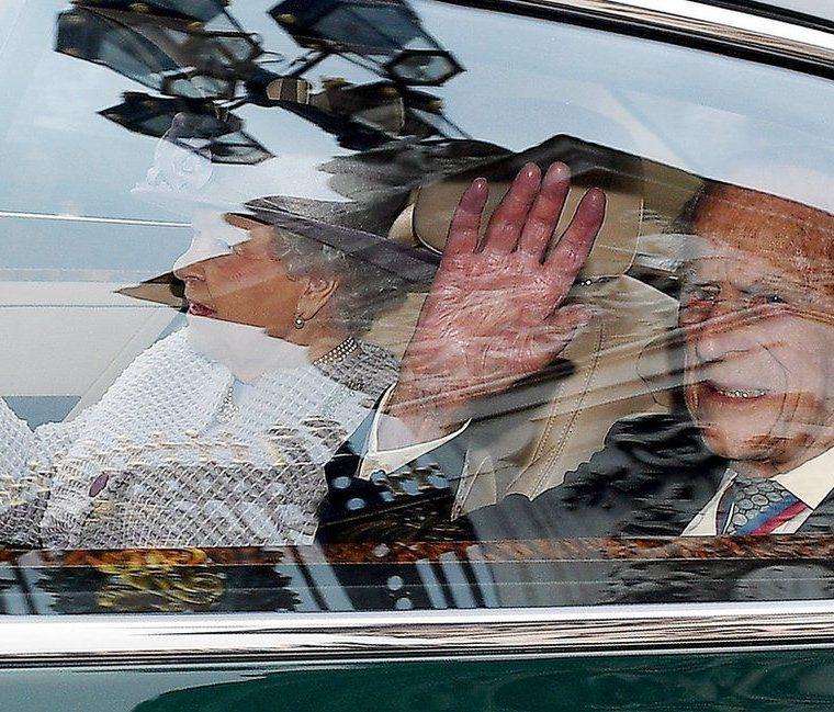 El príncipe Felipe, esposo de la reina Isabel II, anunció el 4 de mayo que se retirará de sus tareas oficiales en otoño. El duque de Edimburgo, quien cumplirá 96 años el próximo mes, llevará a cabo sus compromisos hasta agosto, pero no aceptará más invitaciones oficiales. FACUNDO ARRIZABALANGA / EPA