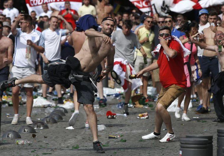 Los hooligans también representan un gran peligro para la seguridad, por ello las autoridades rusas han aumentado los lazos de cooperación con los países de origen de los aficionados violentos. (Foto Prensa Libre: Hemeroteca PL)
