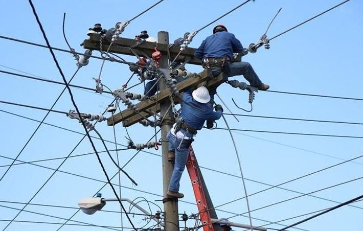 El corte de energía se debe a mantenimientos en las líneas de transmisión. (Foto Prensa Libre: Hemeroteca PL).