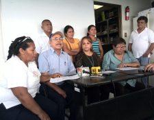 Representantes de pacientes renales pedirán ser querellantes adhesivos en el proceso contra 17 exdirectivos del IGSS. (Foto Prensa Libre: Andrea Orozco)