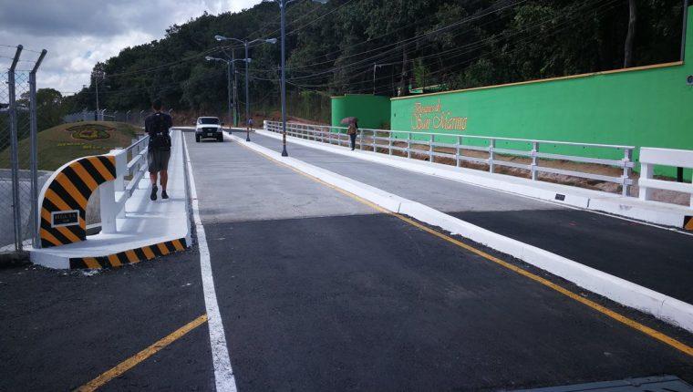 El paso en San Marino, zona 8 de Mixco, fue habilitado el jueves último. (Foto Prensa Libre: Oscar García).