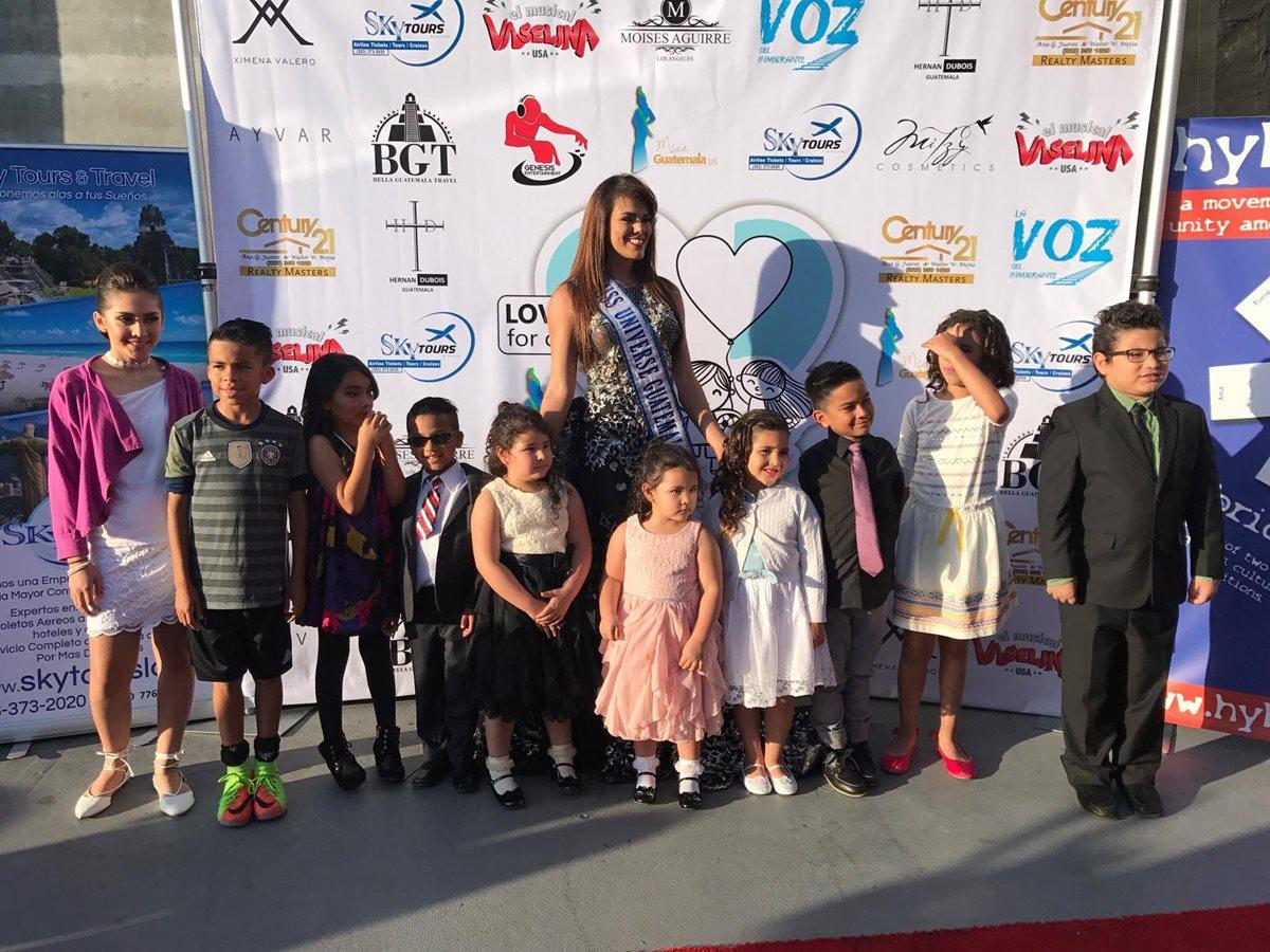 Virginia Argueta, Miss Universo Guatemala, participa en acto benéfico