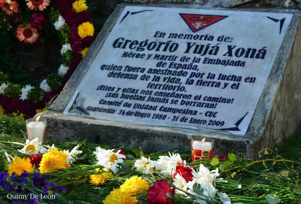 Una tumba en la Universidad de San Carlos