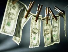 La SIB habilitará una oficina de la IVE en el Aeropuerto Internacional la Aurora para evitar y prevenir delitos de lavado de dinero. (Foto Prensa Libre: Hemeroteca)