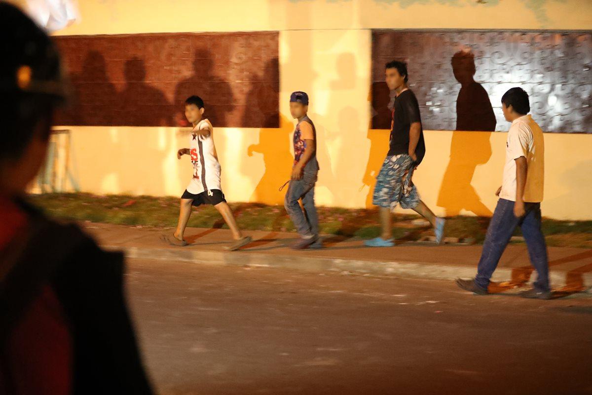Momento en el cual un grupo de menores escapa de las instalaciones del Hogar Seguro Virgen de la Asunción