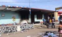 En Conguaco, Jutiapa, hubo quema de papeletas por inconformidad en la elección de alcalde. (Foto Prensa Libre: Óscar González)