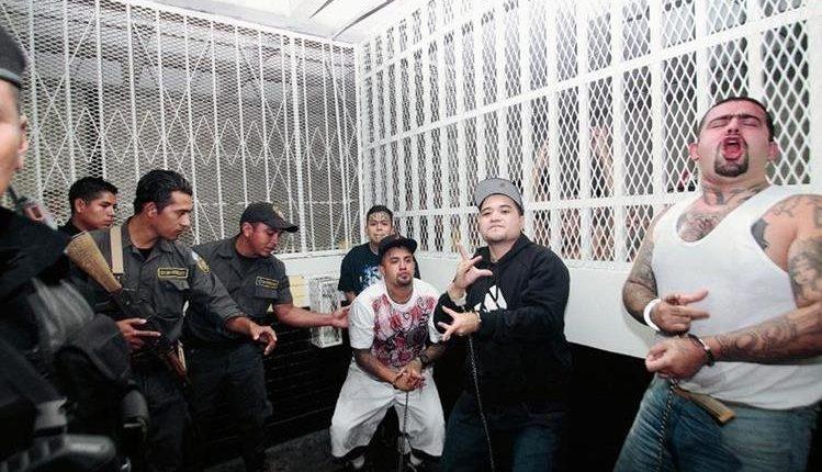 El Ministerio de Gobernación reitera solicitud al Congreso para que declare a las pandillas como grupos terroristas. (Foto Prensa Libre: Hemeroteca PL)