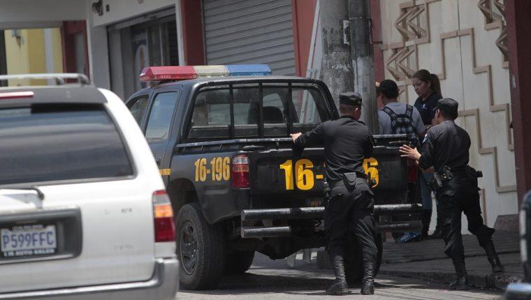 La Policía Nacional Civil no tiene recursos para darle servicio a los autopatrullas, que dejan de funcionar con más frecuencia. (Foto Prensa Libre: Erick Ávila)
