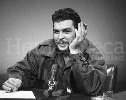"""Ernesto """"Che"""" Guevara en 1964. (Foto: AP)"""