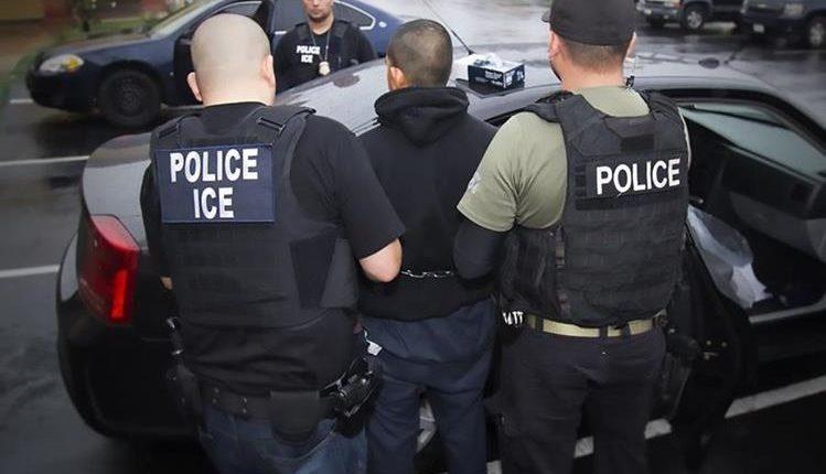 ICE ha endurecido sus operativos y han aumentado las detenciones de indocumentados dentro de EE. UU. (Foto Prensa Libre: Hemeroteca PL)