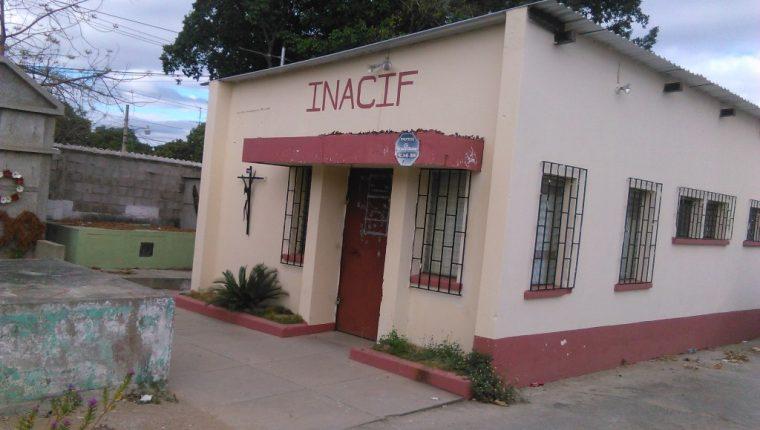 El cuerpo de la menor fue enviado a la morgue del Inacif de Chiquimula. (Foto Prensa Libre: Edwin Paxtor)