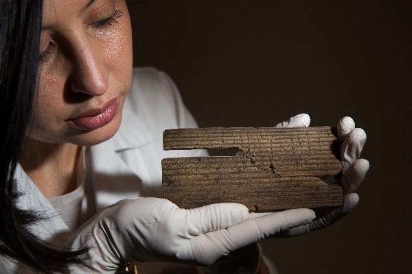 Las tablillas de madera contienen manuscritos encontrados en Londres. (AFP).