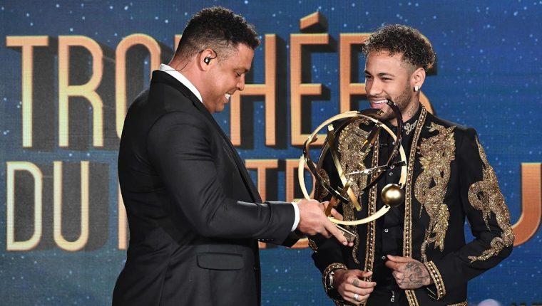 Neymar fue premiado como el Mejor Jugador de la Liga francesa. (Foto Prensa Libre: AFP)