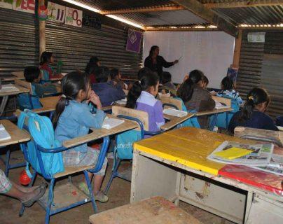 Los desafíos del Ministerio de Educación pasan por la falta de infraestructura adecuada, un aspecto a superar antes de pensar en el retorno a las aulas. (Foto Prensa Libre: Hemeroteca PL)