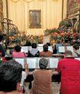 Feligreses de todo el país llegan los miércoles a la iglesia La Merced para pedirle a San Judas Tadeo que interceda por ellos en sus peticiones.