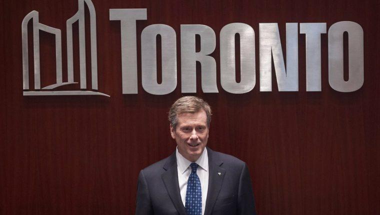 El alcalde de Toronto John Tory dio a conocer el retiro de la ciudad como candidata a los Juegos Olímpicos. (Foto Prensa Libre: AFP)