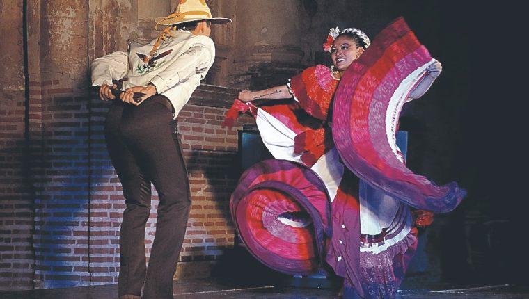 En la celebración del día de la Danza, un arte que recibiría menos fondos para el año 2019. (Foto Prensa Libre: Hemeroteca PL)