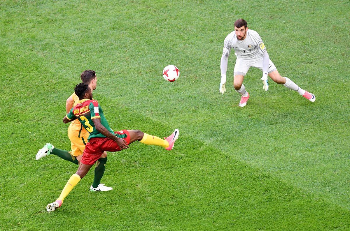 Las selecciones de Camerún y Australia empataron a un gol este jueves en partido de la segunda fecha del Grupo B. (Foto Prensa Libre: EFE).