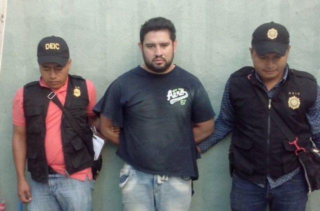 Roberto Javier Guzmán Sotoj, alias el Burra, fue arrestado en San Miguel Petapa. (Foto Prensa Libre: PNC)